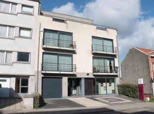 Appartement met 2 slaapkamers 81m² nabij centrum Dilbeek.<br /> 1e verdiepingmet lift.<br /> Dit appartement bestaat uit een inkomhal,een ruime l