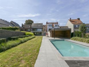 Une belle maison avec un magnifique jardin avec piscine et poolhouse bien située dans le centre de Wemmel où il fait bon vivre. Cette &e