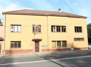 Ruim duplexappartement 123m² met 3 slaapkamers te Schepdaal1e verdieping - geen liftLiving (32m²), ingerichte keuken, 3 slaapkamers, badkame