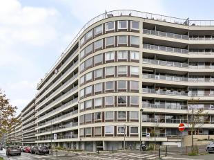 Appartement renové 72m² avec une chambre, situédans la résidence Fontainebleau au premier étage avec ascenseur.