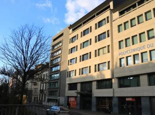 Mooi appartement 90m² met twee slaapkamers en terras in centrum Brussel.<br /> Het appartement isgelegen in een goed onderhouden residentieop de