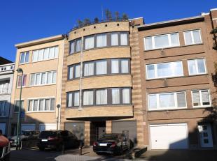 Appartement spacieux et agréable 123m² avec 3 chambres.<br /> 2ième étage avec ascenseur.<br /> L'appartement comprend un ha