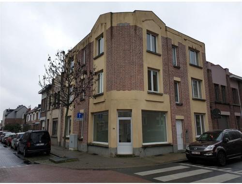 Appartementsgebouw te koop in Deurne, € 390.000