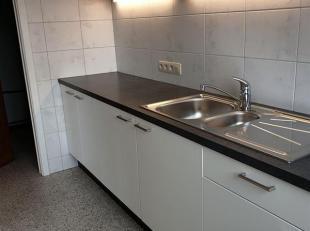 Strak nieuw instapklaar appartement op 2e verdieping met 2 slaapkamers.<br /> Indeling: inkomhal met apart toilet, ruime living ca 28 m2, volledig ing