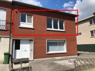 Goed gelegen appartement op 1e verdieping met 1 grote slaapkamer met 2e kamer ( bureau/dressing )+ individuele garagebox.<br /> Indeling; inkomhal op