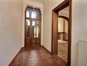 OPTION ! Idéalement située dans le centre de Wavre, laissez-vous charmer par cette maison 3 chambres proche de toute les facilité