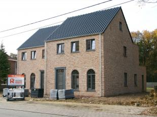 Luxueuze halfopen pastorij-nieuwbouwwoning in het centrum van Olmen, gelegen te Veldstraat .<br /> Deze pastorijwoning wordt gebouwd in 2018 en afgewe