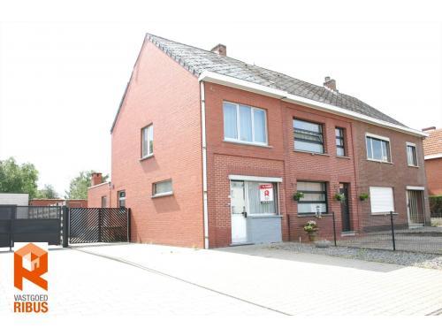 Maison à vendre à Veerle, € 159.000