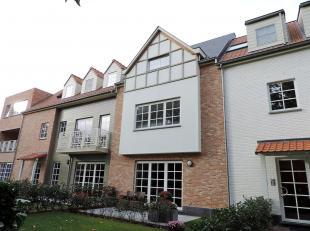 VALIMMAS verkoopt dit uniek en zeer luxueus nieuwbouw duplex-appartement (±158m² !) met zonneterras in 'Res. Belvédère', met