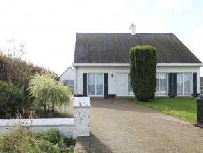 Deze ruime woning is landelijk gelegen en heeft als kers op de taart een grote, gemakkelijk te onderhouden tuin met garage én tuinhuis.<br /> <