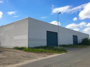 Ruime loods van 275 m2 voor multifunctioneel gebruik.<br /> Een breedte van 11,6 meter en een diepte van 23,7 meter.<br /> De maandelijkse vergoeding