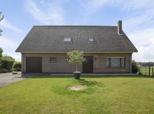 Immo Van Middelem vend cette spacieuse villa magnifiquement située (dans une rue sans issue!) avec 5 chambres, 2 salles de bain et garage dans