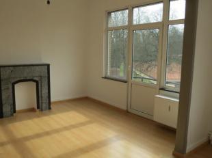 Immo Alphabitat loue cet appartement lumineuxà Woluwe-Saint-Pierre. Appartement au 2ème étage d'un immeuble de 3 étages sa