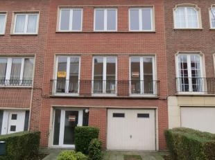 Immo Alphabitat loue cette magnifiquemaison5 chambres, à proximité du parc de Roodebeek, place Eugène Plasky et le shopping Corad