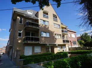Appartement op de tweede verdieping in een gebouw met lift. Indeling; inkomhal, leefruimte van 40 m², keuken van 11 m², berging, West-gerich