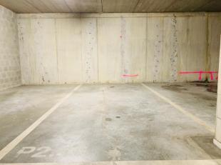 Parkeerplaats te huur in ondergrondse afgesloten parking. Forfaitaire lasten: euro 20,00 per maand.
