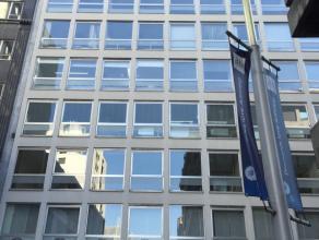 Het diamantkwartier, gelegen nabij het Centraal Station van Antwerpen vormt het hart van de Antwerpse diamantindustrie. Jaarlijks wordt voor zo'n 25 m