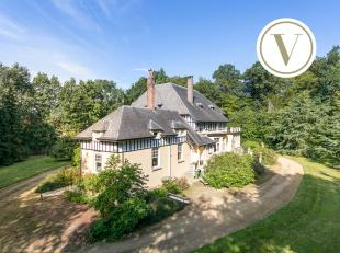 Deze eigendom spreekt tot de verbeelding: zijn stijl, het omliggende parkdomein, de grootte en de mogelijkheden...<br /> De woning dateert uit 1910 en