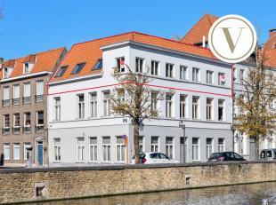 Ruim appartement te Brugge met adembenemend zicht op de reien. Luxueus ingericht met focus op lichtinval en wooncomfort. Het appartement bevindt zich
