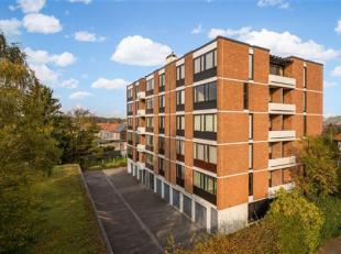 Lichtrijk appartement met garagebox te huur! <br /> Dit ruim appartement is gelegen in een rustige straat in Heverlee. Het appartement is gelegen aan