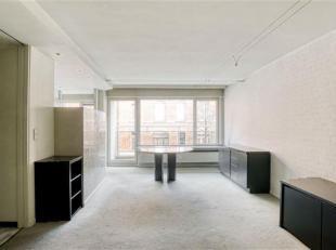 Op te frissen appartement te koop in centrum Leuven! <br /> Het appartement bevindt zich op de eerste verdieping van residentie de Dijle. Het bestaat
