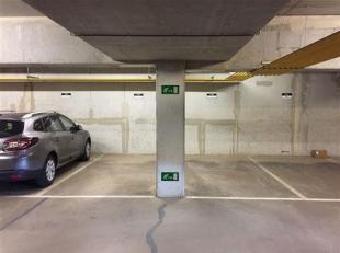 Ruime ondergrondse autostaanplaats onder residentie Waterside aan de Vaartkom in Leuven te huur.<br /> De staanplaats bevindt zich op niveau -1.<br />