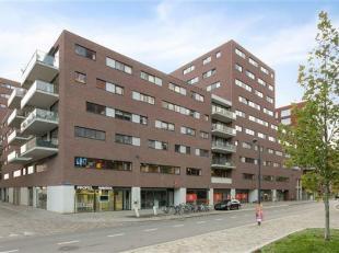 Prachtig nieuwbouw appartement met ruim zonneterras aan de Leuvense Vaartkom!<br /> Dit appartement bestaat uit een ruime leefruimte van waaruit u toe