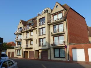 Cet appartement spacieux se situe dans la résidence Koekoeksnest à deux pas du centre, des transports en commun et plusieurs écol