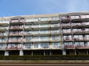 Gezellig en goed gelegen appartement met een open zicht. Mooi gelegen in het volle centrum van Nieuwpoort-Bad. Zonnige woonkamer met een leuk terras.