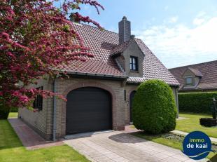Gezellige villa in de Jachthavenwijk te Nieuwpoort. Goed onderhouden tuin rondom de woning met tuinhuis. Verwarming op aardgas met recente gasketel. R