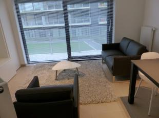 Leuk appartement met een open zicht op het binnenplein van Residentie Waterfront. Gezellige woonkamer met open ingerichte keukenhoek. Badkamer met dou