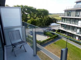 Kwalitatief en recent appartement in Residentie Waterfront. Gelegen aan het water in een rustige omgeving en toch dichtbij het stadscentrum. Leuk gesi