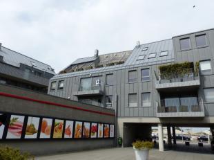 Centraal gelegen appartement 'Kaaizicht' - uitgevend aan de zonnekant van het gebouw. Dit ruim appartement van 73m² heeft een mooie, zuidgerichte