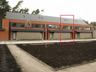 Moderne nieuwbouwwoning gelegen op een boogscheut van Genk-centrum. Winkels, openbaar vervoer en scholen bevinden zich in de directe omgeving. <br />
