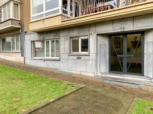 Ruim instapklaar gelijkvloersappartement in het centrum van Genk.<br /> Dit appartement is als volgt ingedeeld: inkomhal, leefruimte, keuken, toilet,
