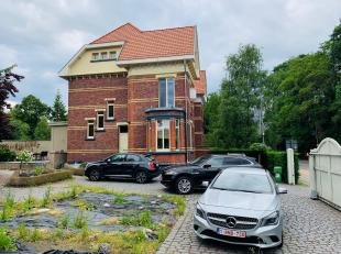 VANAFPRIJS men mag een bod uitbrengen vanaf 329.000 Euro tem 28/9/2019.Uitzonderlijke gerenoveerde halfopen woning met karakter op een perceel van 5 a