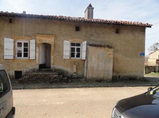 *** GROUPE ARCADE *** Nous avons le plaisir de vous présenter cette maison classée située en plein cur du petit village de Torgny