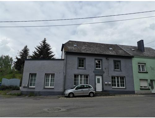 Appartementsgebouw te koop in Arlon, € 290.000