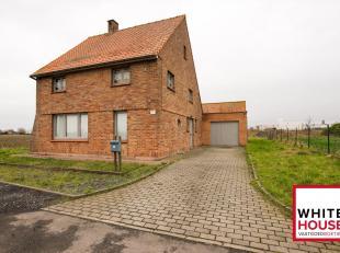 Deze alleenstaande woning kent een prachtige landelijke ligging en beschikt over een ruim perceel grond. Het perceel is maar liefst 1141 vierkante met