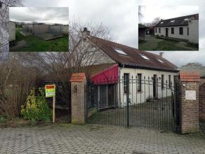 Deze gerenoveerde woning met garage en tuin is gelegen in een zeer rustige omgeving doch op korte afstand van E40 en invalswegen naar Brussel en Gent.