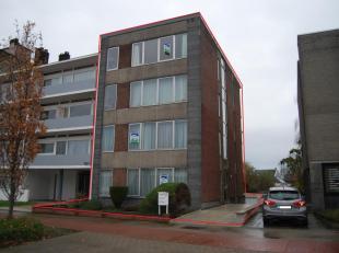 Ruime opbrengsteigendom die momenteel is onderverdeeld in 1 duplex en 2 appartementen.<br /> - Duplex : gelijkvloers + 1ste verdieping  : inkomhal ( 1