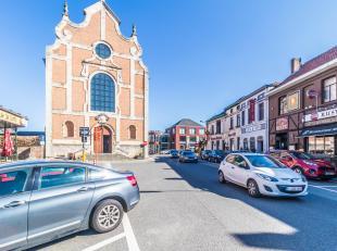 OVERIJSE- Ruim handelspand, schitterend gelegen in een gekende buurt met restaurants en brasseries, aan de voet van de Onze-Lieve-Vrouwkerk te Jezus-E