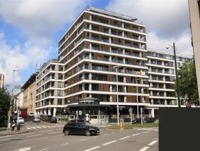 Appartement met 2 slaapkamers op wandelafstand van de metro (Kunst-wet, Maalbeek, Schuman).<br /> Bouwjaar 2015. Bewoonbare oppervlakte 109m², op