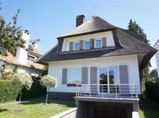 Villa met grote tuin op wandelafstand van de duitse school, goede staat met vernieuwde keuken, 145m² woonoppervlakte + 90m² garage en kelder