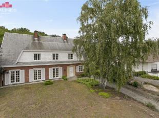 Uiterst gunstig gelegen villa op slechts een boogscheut van centrum Beerzel en nabij verbindingsweg Heist-op-den-Berg  Mechelen. Achtertuin grenst aan