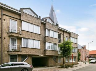 Instapklaar appartement met 2 slaapkamers, terras en autostaanplaats/garage. Dit appartement is gelegen nabij het centraal station van Mechelen met ze