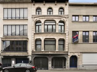 Prachtig ruim herenhuis op toplocatie in Mechelen Deze woning kan mits enige opfrissingswerken uw droomwoning worden! Ze beschikt maar liefst over 7 s