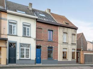 Gezellige woning met 4 volwaardige slaapkamers en tuin. Deze woning is grotendeels gerenoveerd en mits een aantal kleine werken volledig instapklaar.