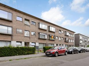 Dit appartement is gelegen net buiten het centrum van Mechelen, doch op wandel- en fietsafstand ervan. De nieuwe keuken, nieuwe badkamer, nieuwe vloer