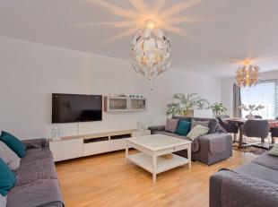 Gezellig appartement met twee ruime slaapkamers in kleinschalig gebouw met beperkte gemeenschappelijke kosten, beschikt over een zuid gelegen zonneter